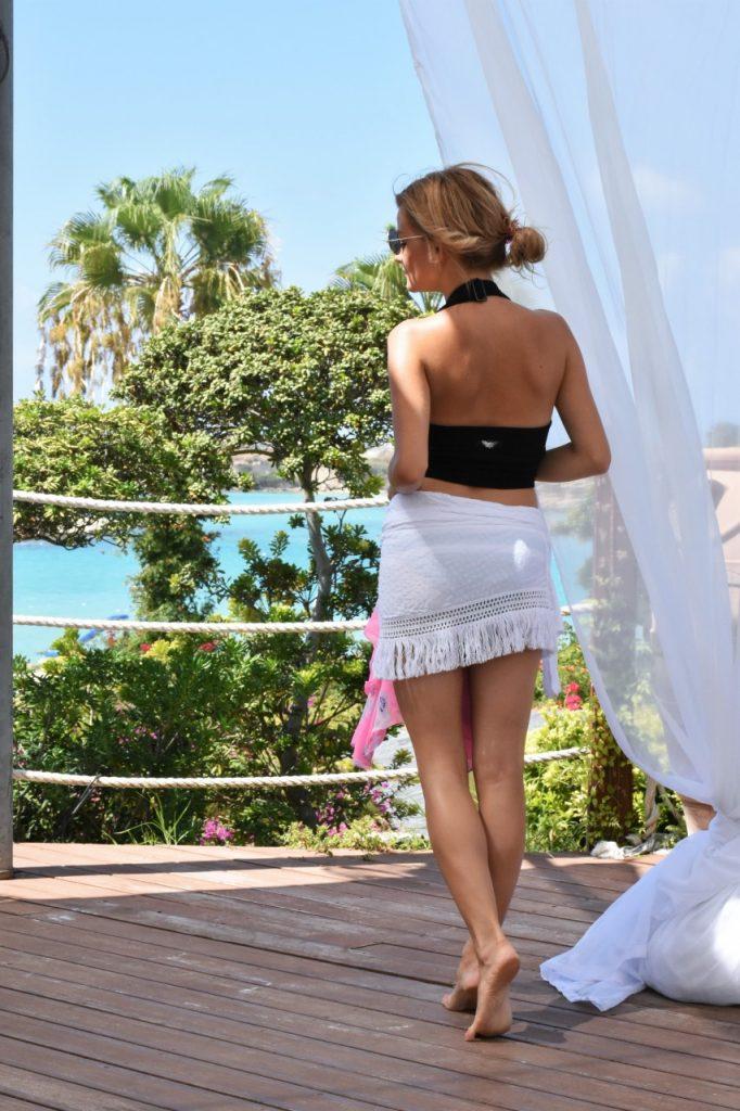 biała plażowa spónica calzedonia2