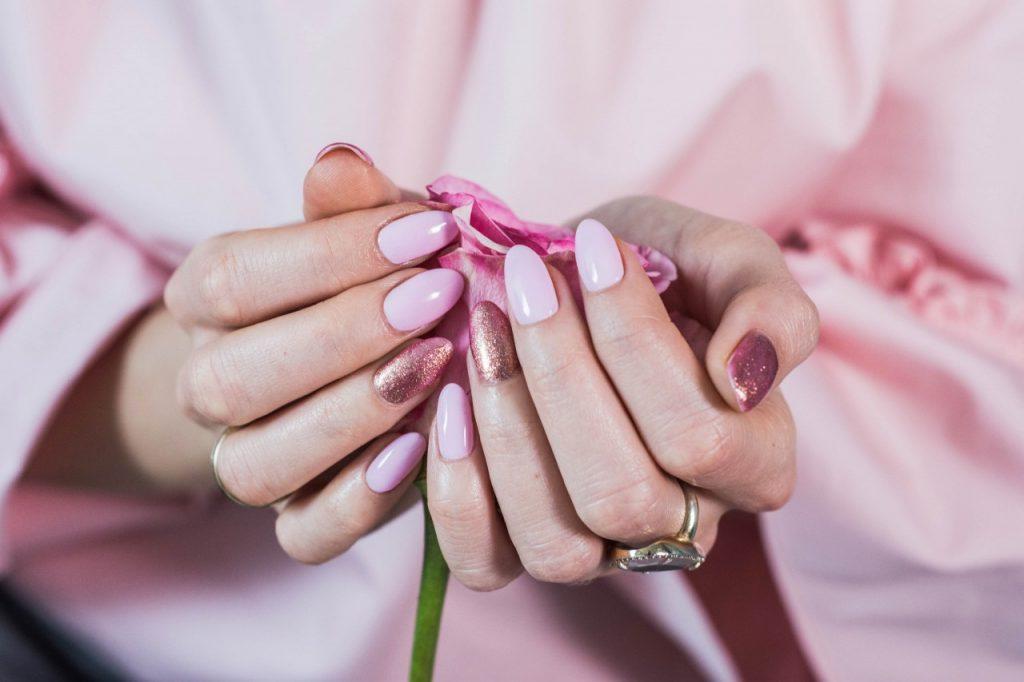 manicure pastele hybrydowy 2