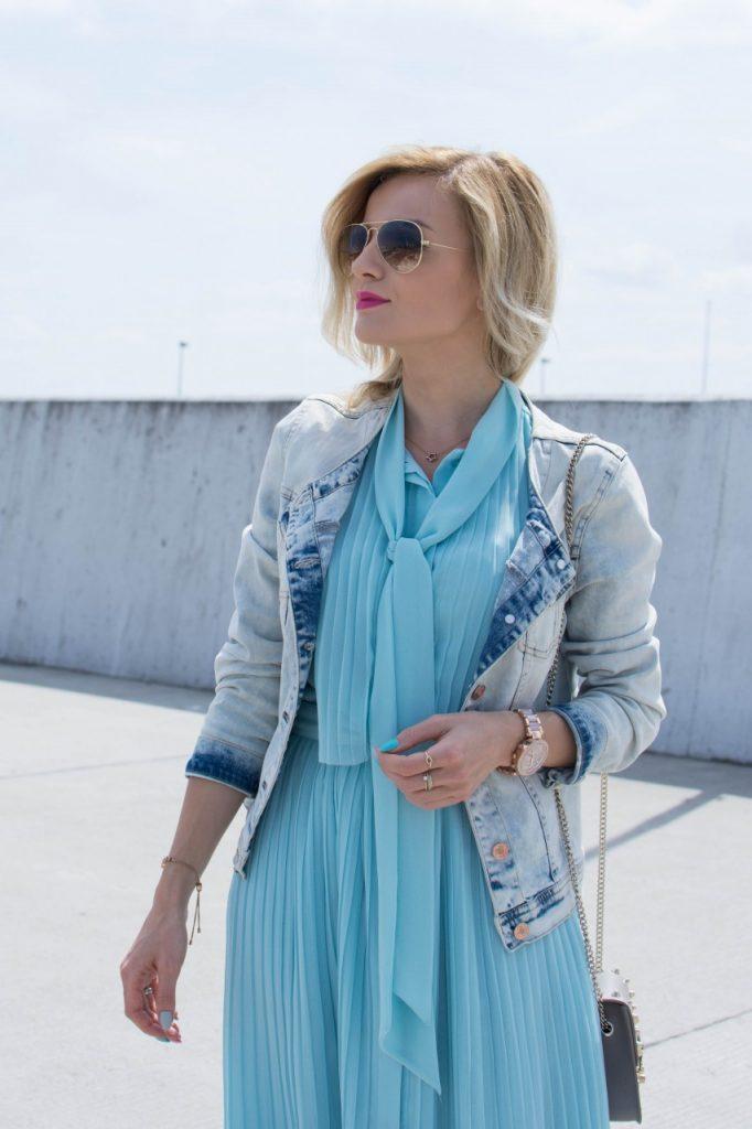 niebieska sukienka 3