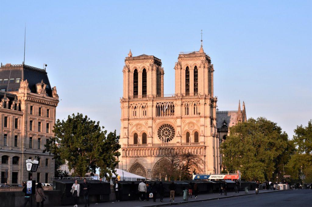 katedra notre dame de paris w paryżu