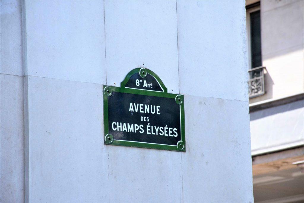 zakupy paryż champs elysees 22