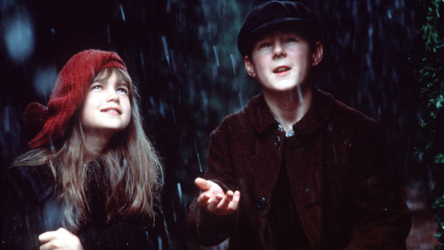 The Secret Garden Stars Kate Maberly and Andrew Knott. ©Warner Brothers
