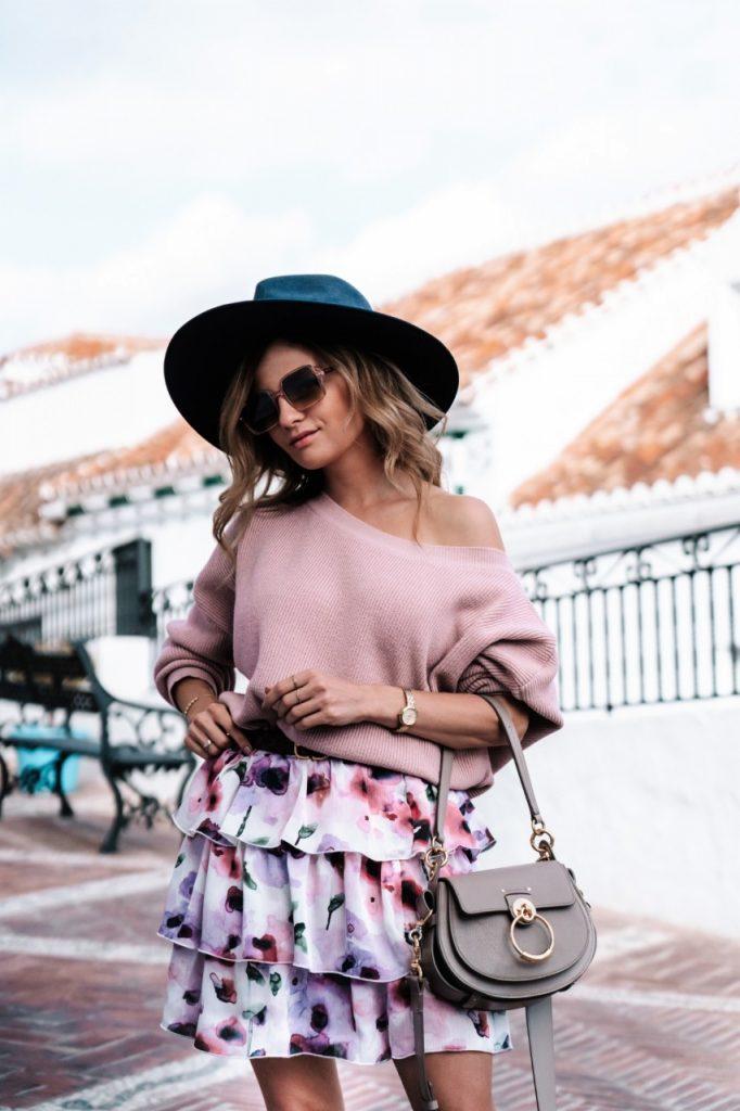 stylizacja mini spódniczka i sweter (Niestandardowy)